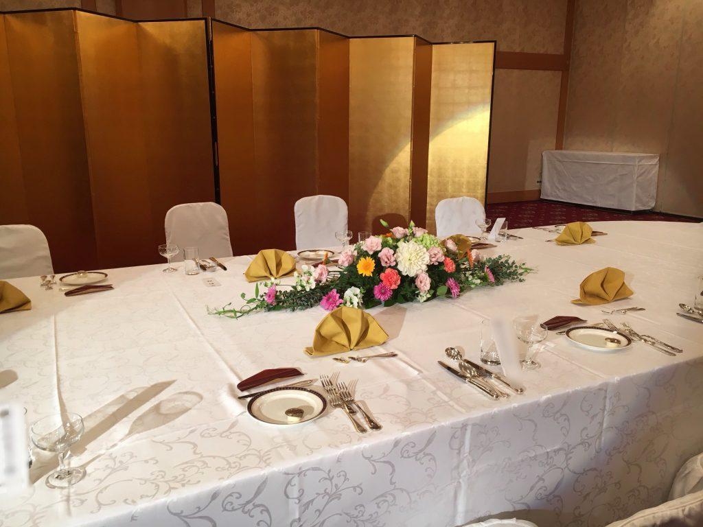 披露宴の卓上花