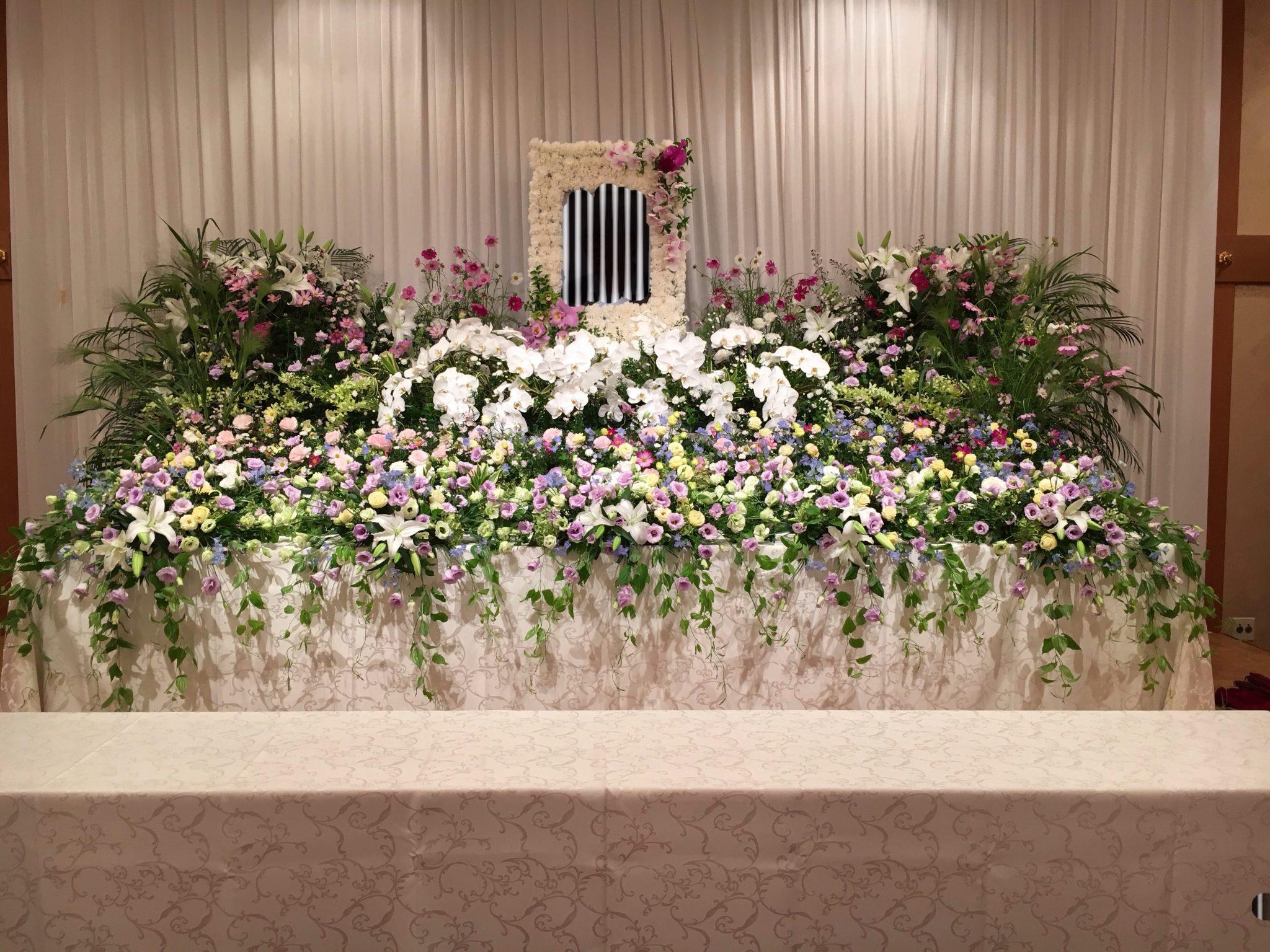 偲ぶ会の装花